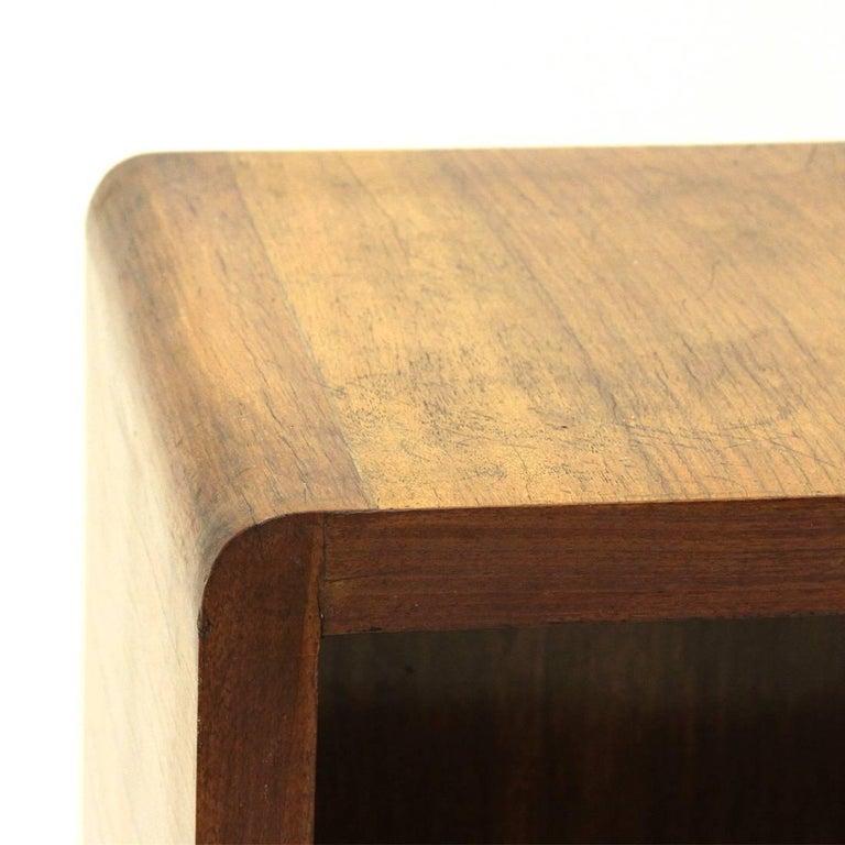 Italian Modernist Wooden Bookcase, 1940s For Sale 3