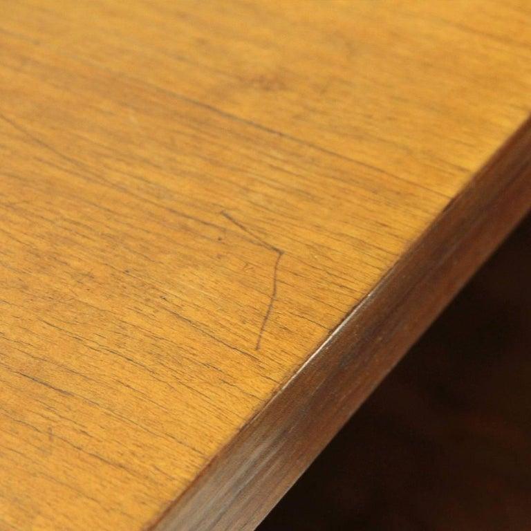 Italian Modernist Wooden Bookcase, 1940s For Sale 4