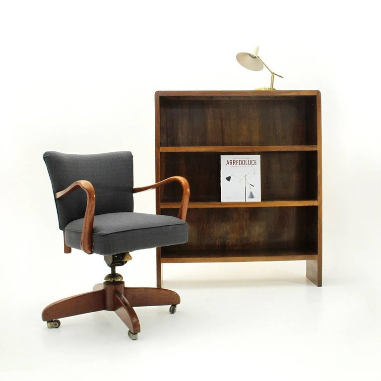 Italian Modernist Wooden Bookcase, 1940s For Sale 5