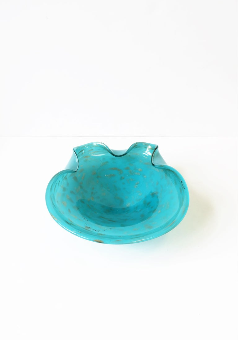 Italian Murano Art Glass Bowl in Turquoise Blue For Sale 3