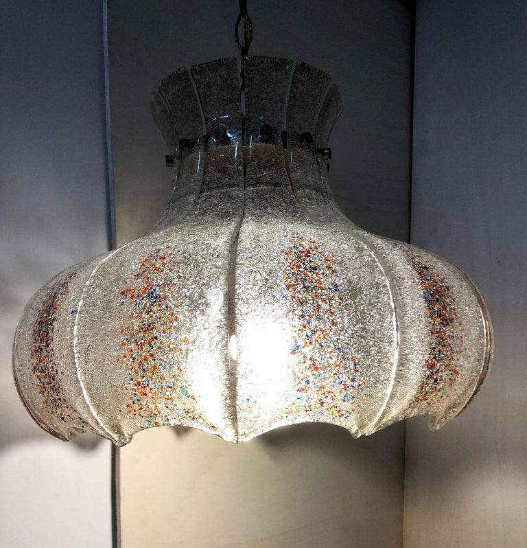 Mid-Century Modern Italian Murano Chandelier Twelve Glasses Original from 1970s Special Colors For Sale