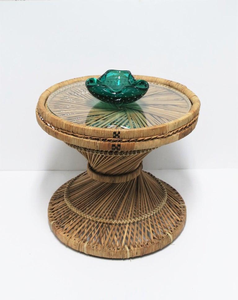 Mid-20th Century Italian Murano Emerald Green Art Glass Bowl after Seguso For Sale