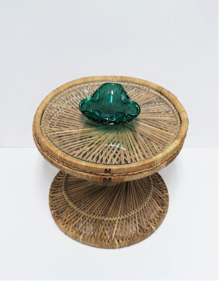 Italian Murano Emerald Green Art Glass Bowl after Seguso For Sale 1