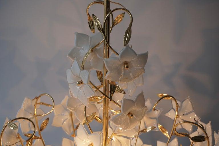 Italian Murano Flower Bouquet Art Glass Gilt Brass Chandelier For Sale 7
