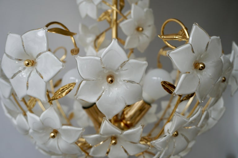 Italian Murano Flower Bouquet Art Glass Gilt Brass Chandelier For Sale 4