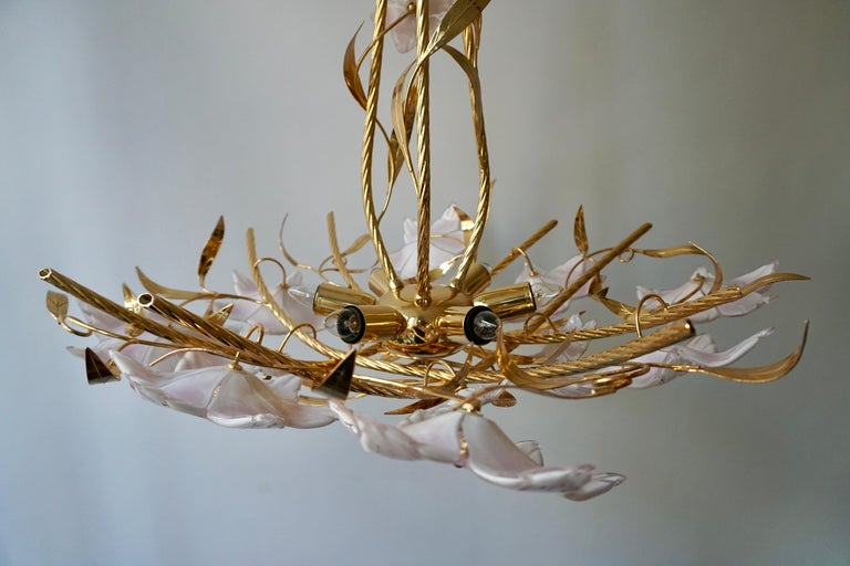 Italian Murano Glass and Brass Flowers Chandelier White and Pink For Sale 4