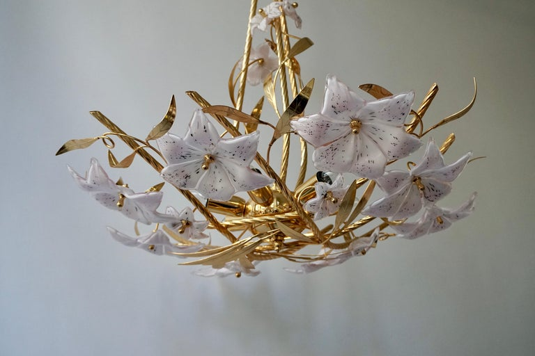 Italian Murano Glass and Brass Flowers Chandelier White and Pink For Sale 5