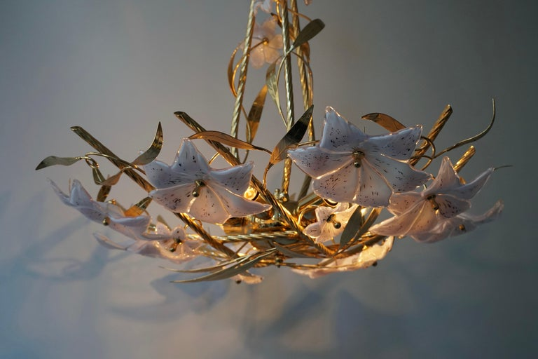Italian Murano Glass and Brass Flowers Chandelier White and Pink For Sale 6