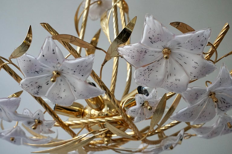 Italian Murano Glass and Brass Flowers Chandelier White and Pink For Sale 8
