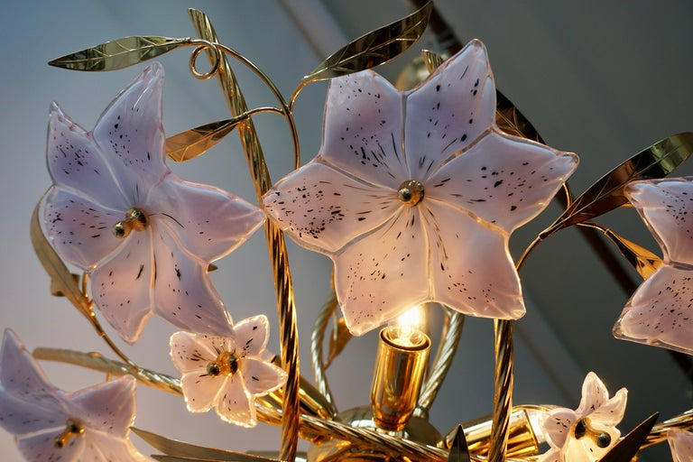 Italian Murano Glass and Brass Flowers Chandelier White and Pink For Sale 10