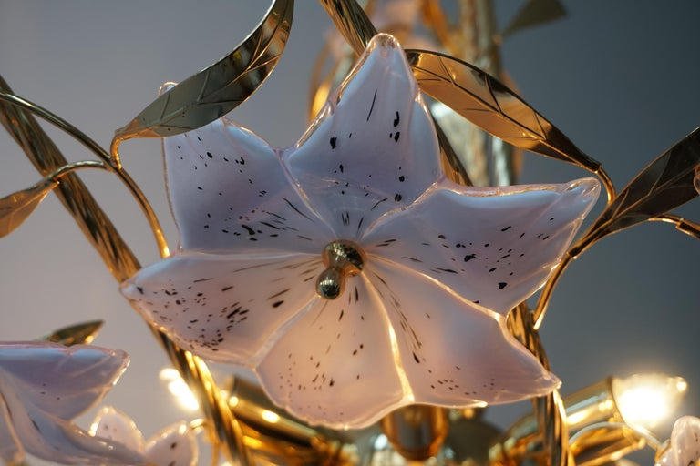 Italian Murano Glass and Brass Flowers Chandelier White and Pink For Sale 12