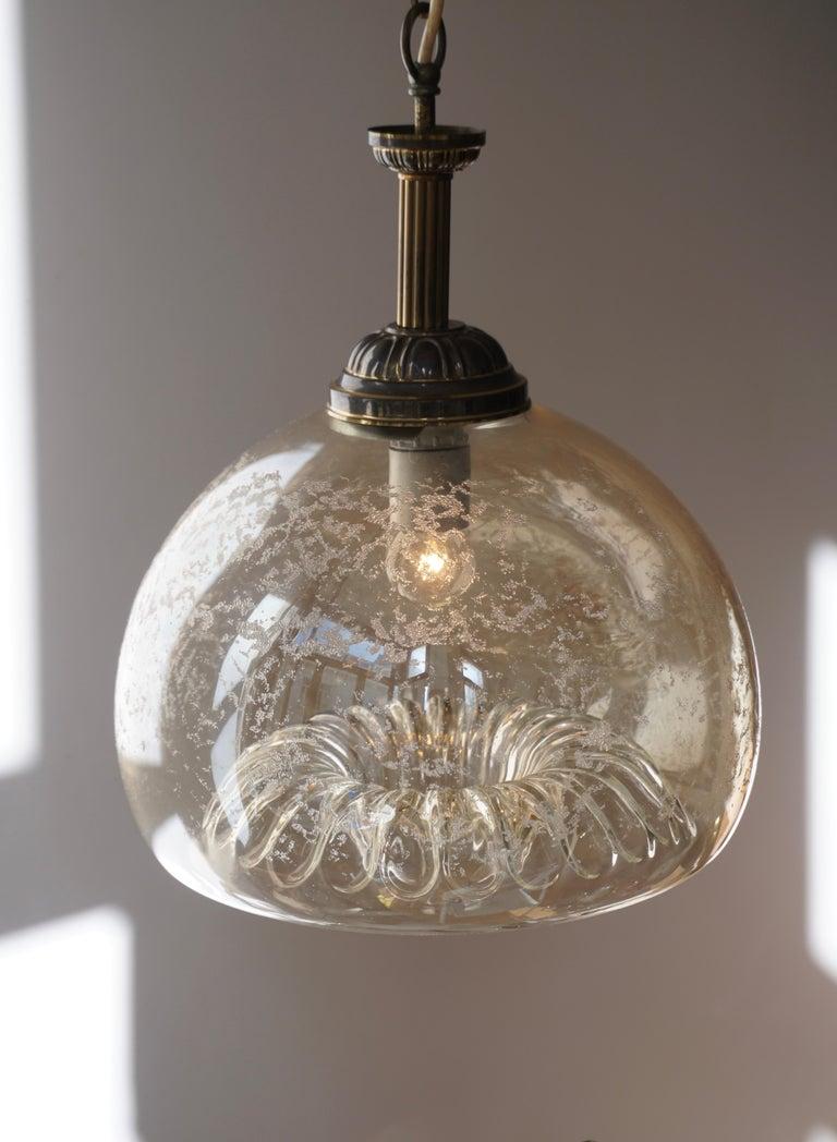 Italian Murano Glass and Brass Pendant Light For Sale 3