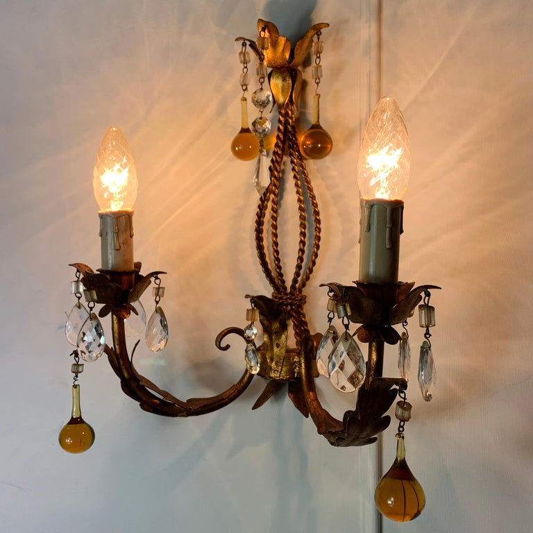 Italian Murano Glass Drop Gilt Wall Light In Good Condition For Sale In Hastings, GB