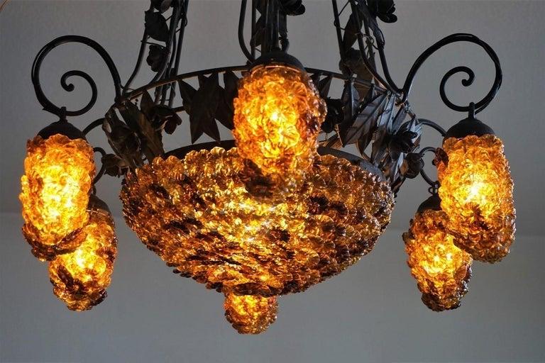 Italian Murano Glass Wrought Iron Seven-Light Chandelier, 1930s In Good Condition For Sale In Frankfurt am Main, DE