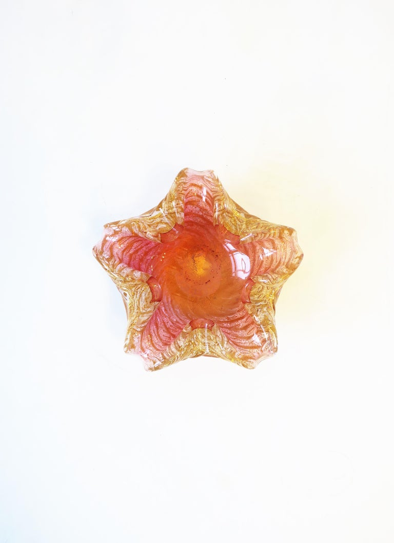Italian Murano Gold and Pink Art Glass Bowl For Sale 4