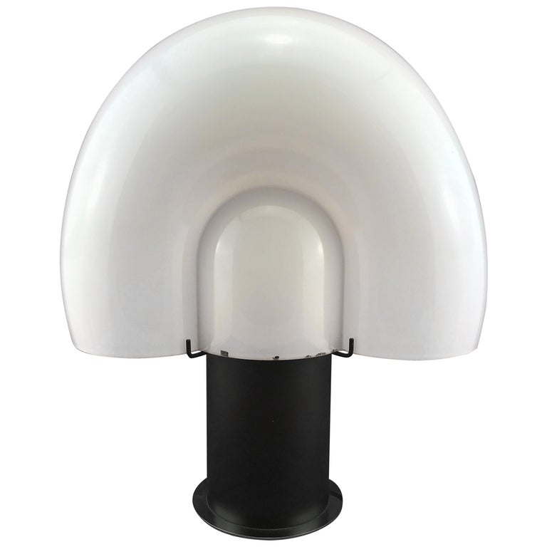 Space Age Mid-Century Modern Italian White Murano Glass Shell Table Lamp 1970s For Sale