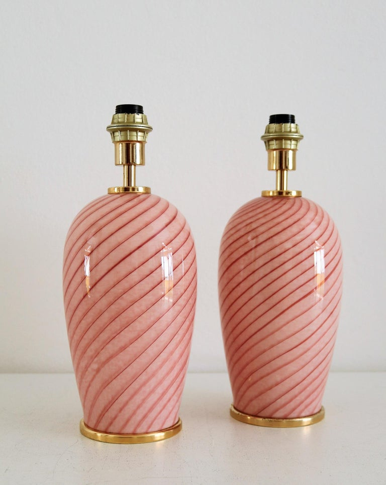 Mid-Century Modern Italian Murano Swirl Glass Table Lamps in Pink, 1970, Set of Two For Sale
