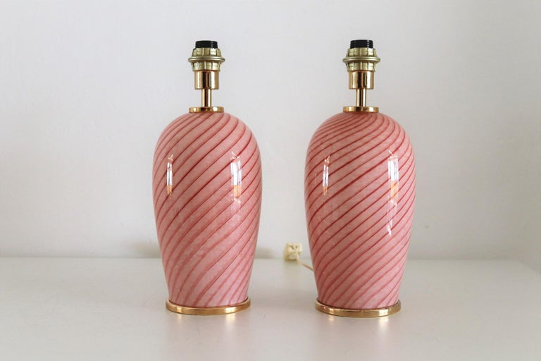 Late 20th Century Italian Murano Swirl Glass Table Lamps in Pink, 1970, Set of Two For Sale