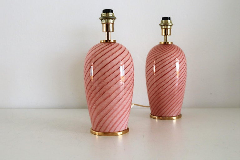 Italian Murano Swirl Glass Table Lamps in Pink, 1970, Set of Two For Sale 3