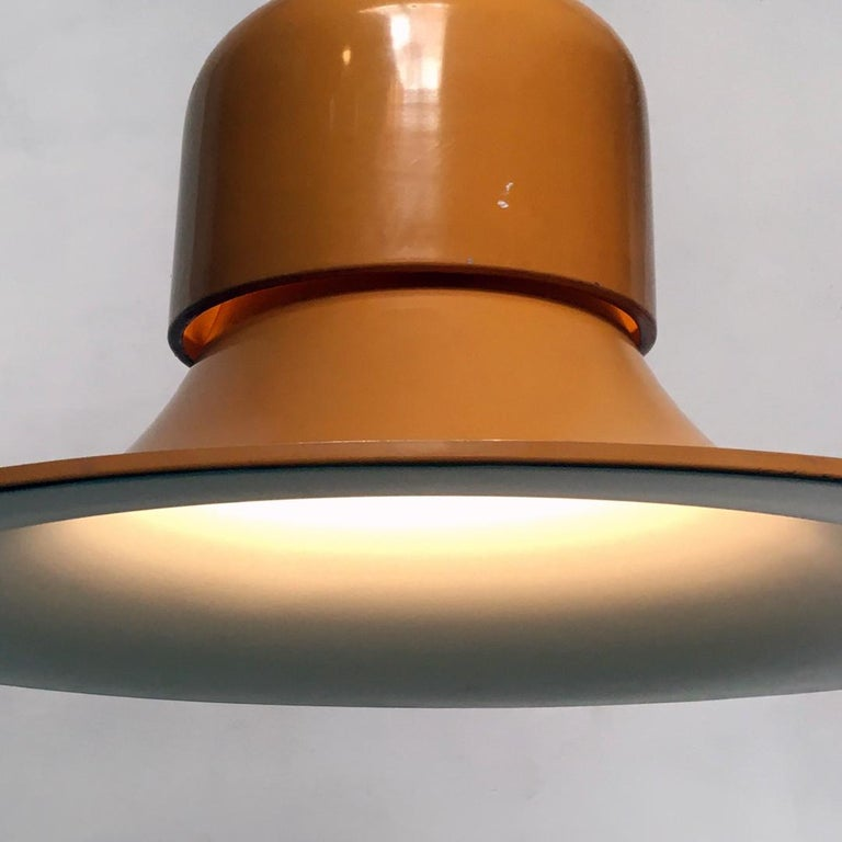 Italian Mustard Yellow Chandelier the Hat by Joe Colombo for Stilnovo, 1974 In Good Condition For Sale In MIlano, IT