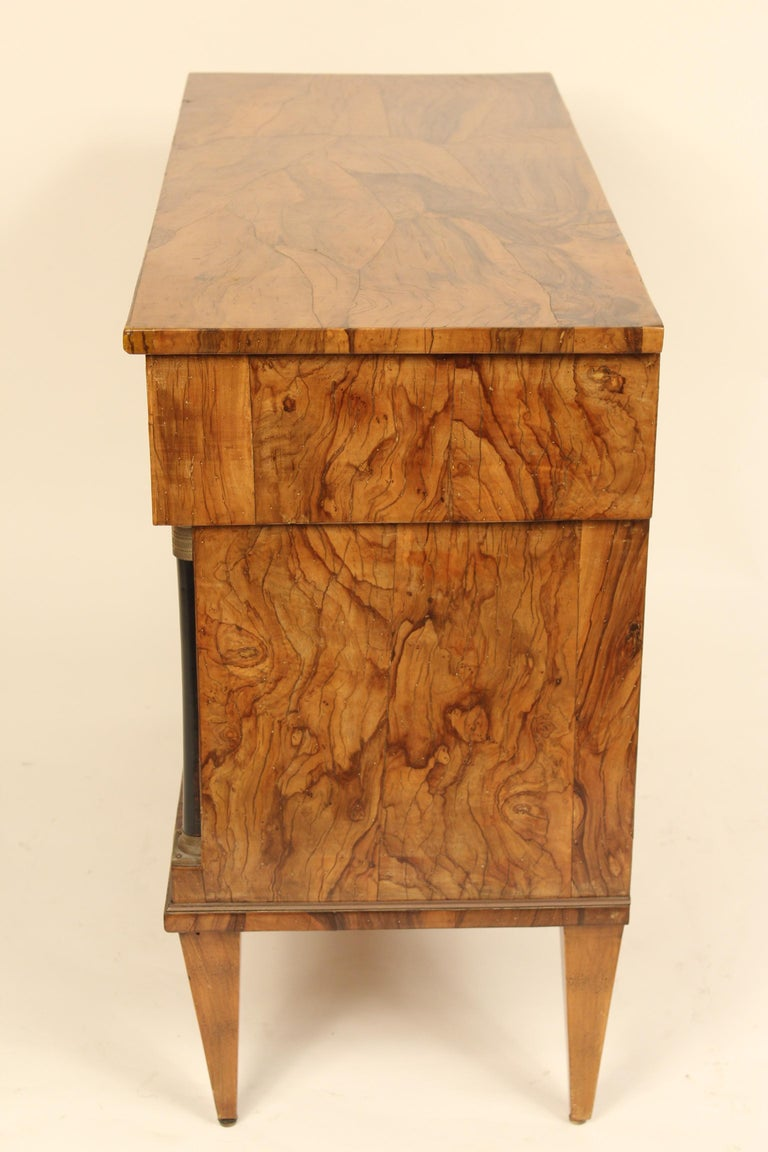 Mid-20th Century Italian Neoclassical Chest of Drawers For Sale