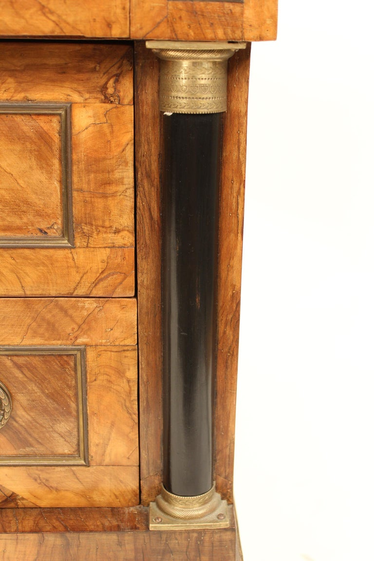 Italian Neoclassical Chest of Drawers For Sale 3