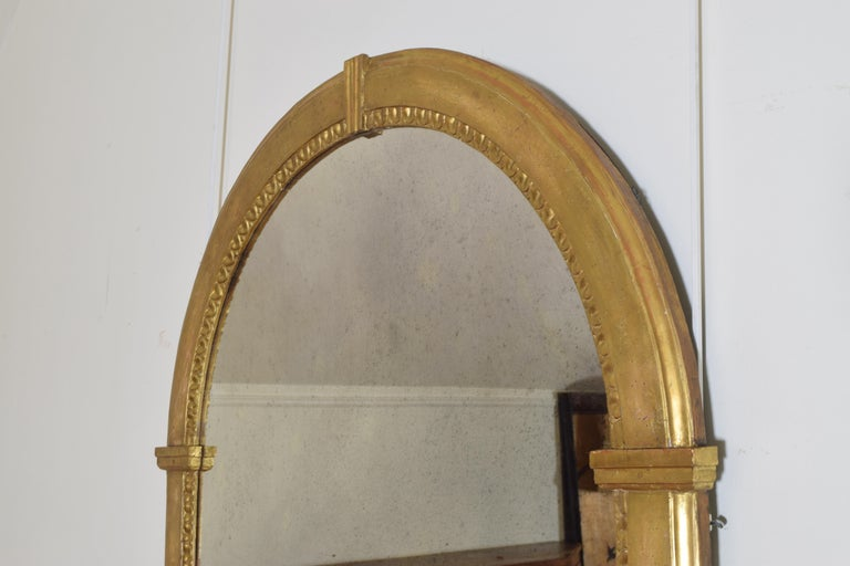 Italian Neoclassic Giltwood Arched Top Wall Mirror, circa 1800 For Sale 1
