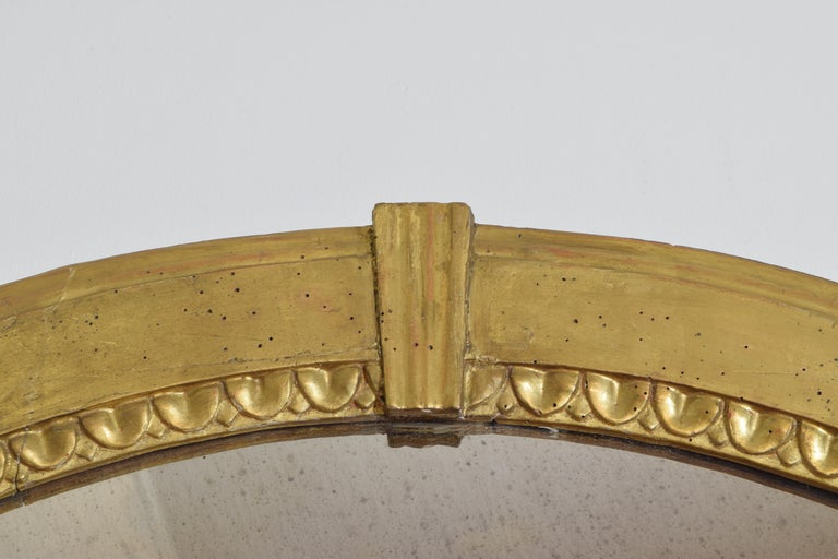 Italian Neoclassic Giltwood Arched Top Wall Mirror, circa 1800 For Sale 3