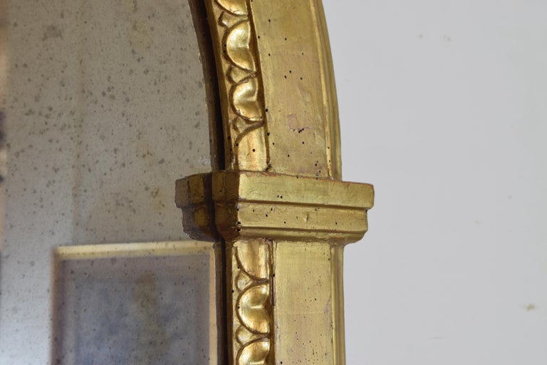 Italian Neoclassic Giltwood Arched Top Wall Mirror, circa 1800 For Sale 4
