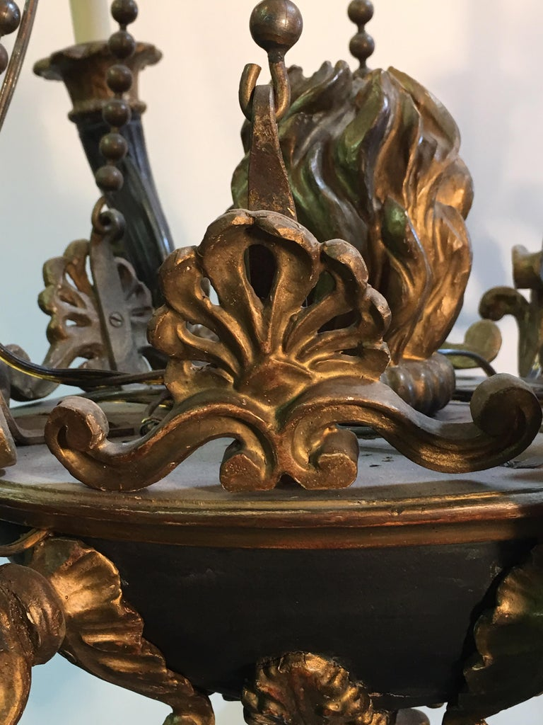 Italian Neoclassical Carved Wood and Bronze Chandelier For Sale 1