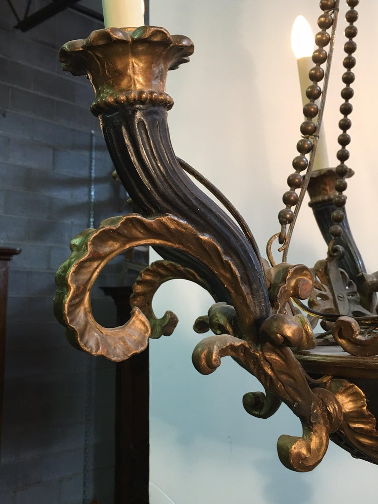 Italian Neoclassical Carved Wood and Bronze Chandelier For Sale 3