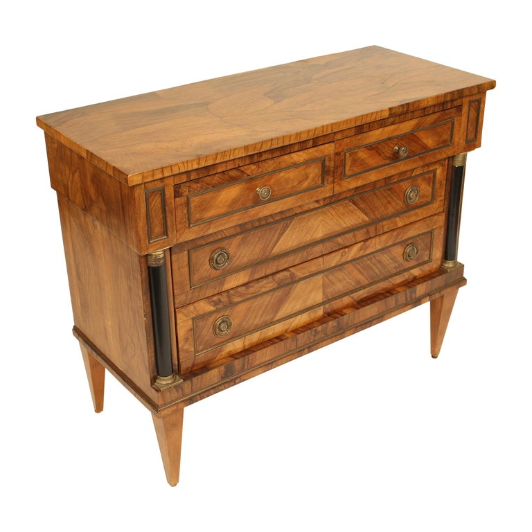 Italian Neoclassical Chest of Drawers For Sale