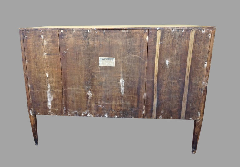 Italian Neoclassical 18th Century Inlaid Walnut 3-Drawer Commode  For Sale 6