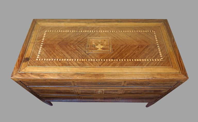 Inlay Italian Neoclassical 18th Century Inlaid Walnut 3-Drawer Commode  For Sale