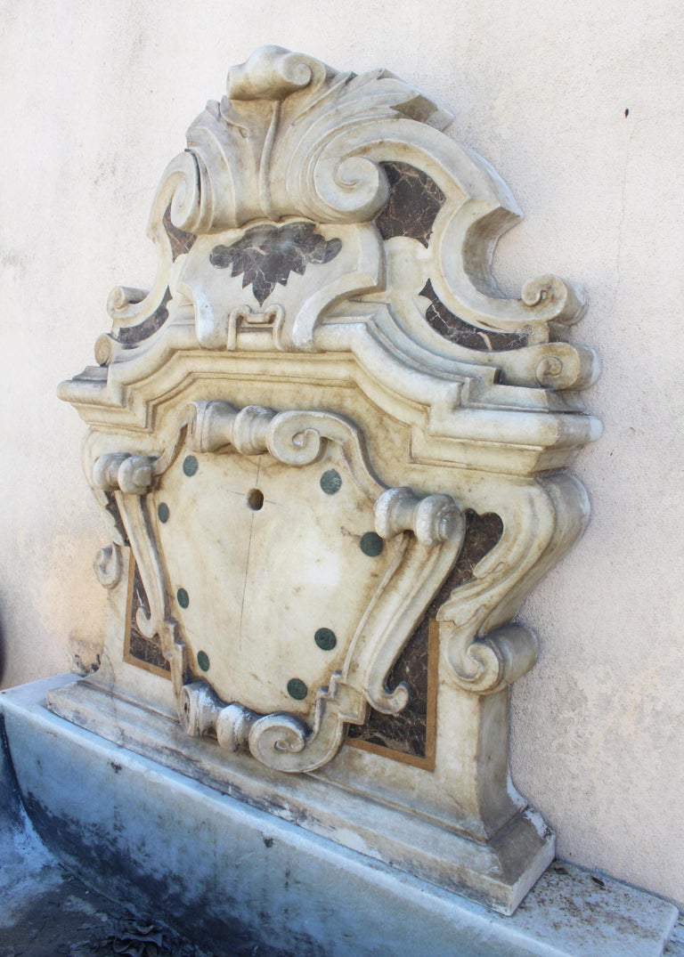 Italian Neoclassical Marble Inlay Wall Fountain In Good Condition For Sale In Malaga, ES