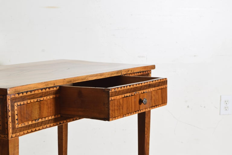 Early 19th Century Italian Neoclassical Period Walnut and Inlaid 1-Drawer Writing Table ca1820-1830 For Sale