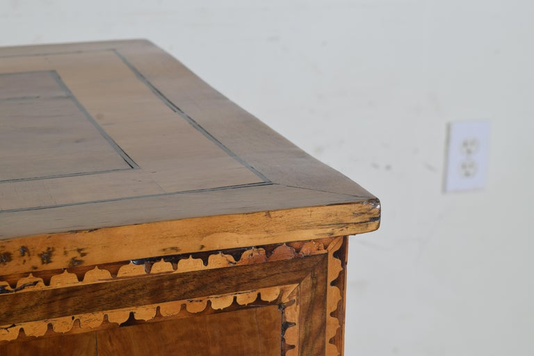 Italian Neoclassical Period Walnut and Inlaid 1-Drawer Writing Table ca1820-1830 For Sale 2