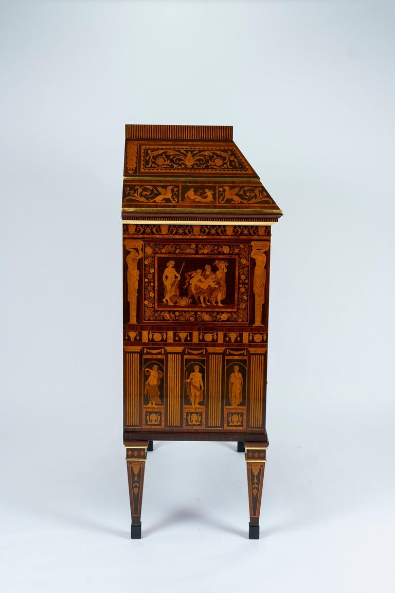 Italian Neoclassical Secretaire In Excellent Condition For Sale In Houston, TX