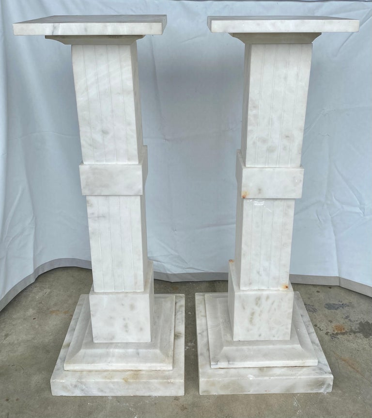 Italian Neoclassical Style Fluted Onyx Marble Pedestal Column Stands, Italy In Good Condition For Sale In Lambertville, NJ