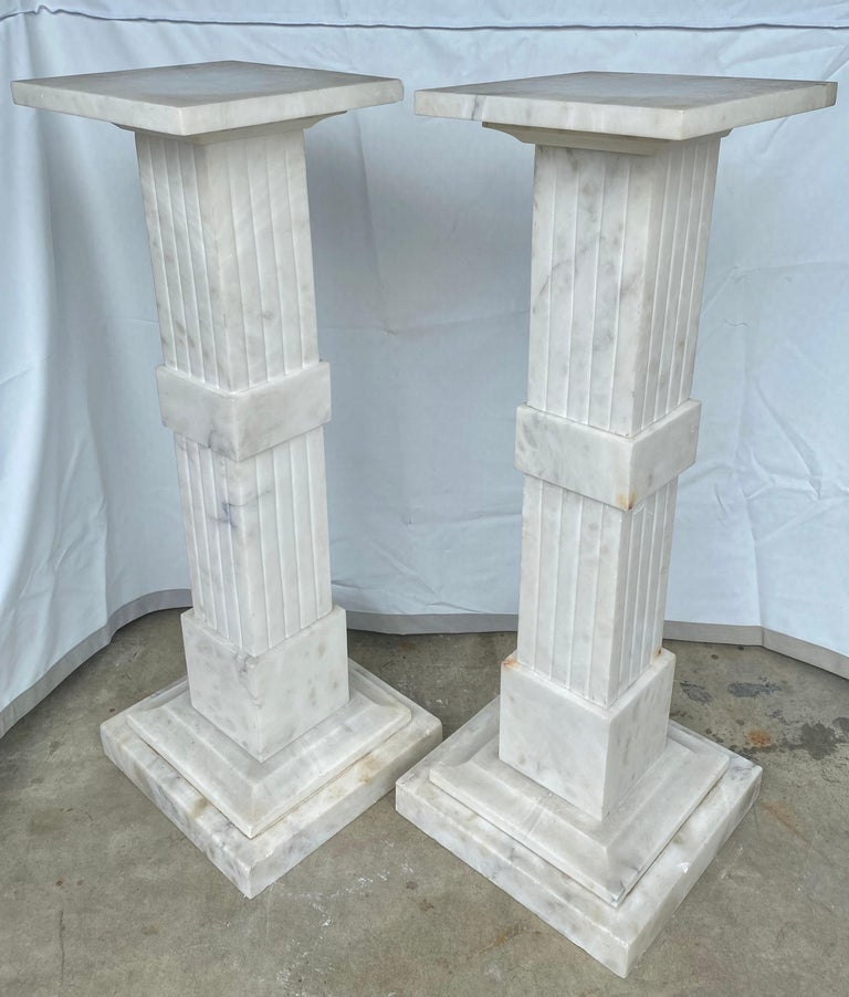 Italian Neoclassical Style Fluted Onyx Marble Pedestal Column Stands, Italy For Sale 1