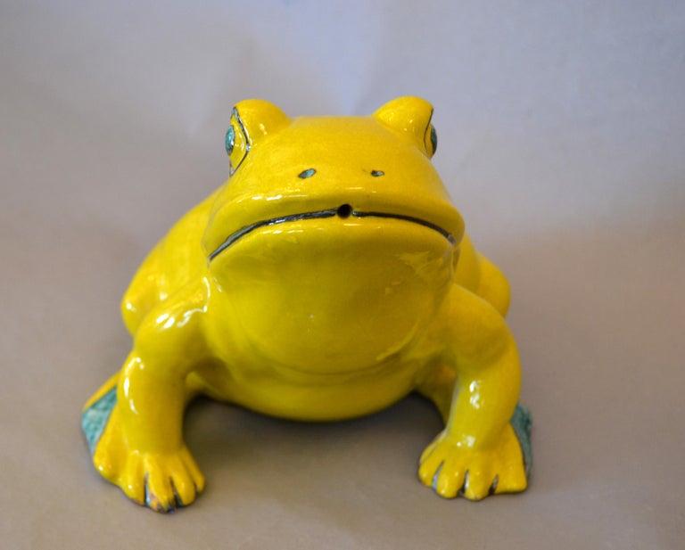 Italian Neon Yellow & Green Ceramic Fountain Frog Outdoor Sculpture, Pottery In Good Condition For Sale In North Miami, FL