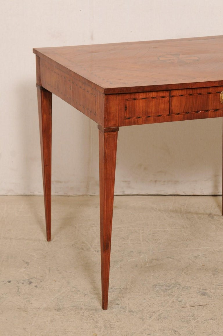 Wood Italian Occasional Table with Floral Medallion Inlay Adorning Top, Early 19th C For Sale