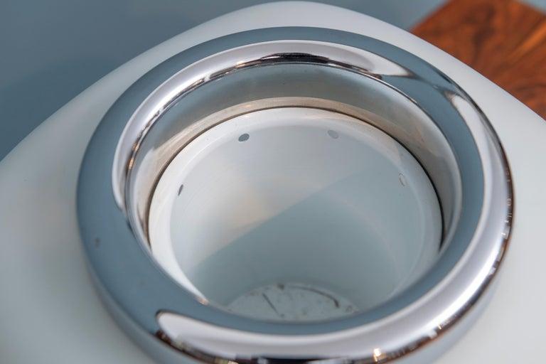 Italian Opaque Glass Table Lamp Jardinière For Sale 2
