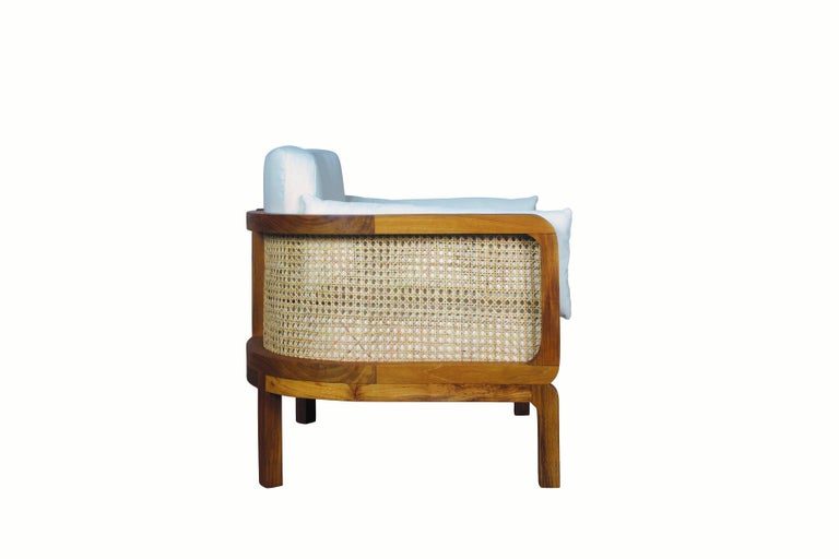 Italian Outdoor Lounge Chair Set of 2, Natural Rattan/Teak In New Condition For Sale In New York, NY