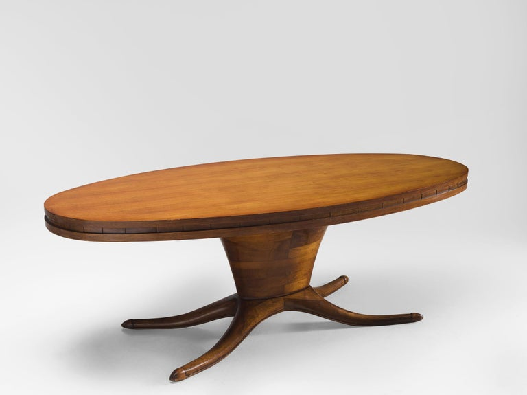 Italian Oval Dining Table in Walnut For Sale 3