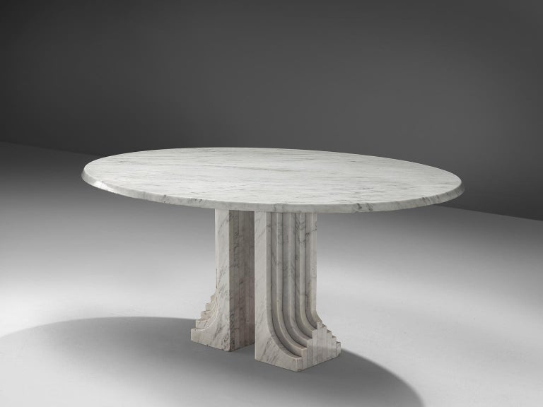 Italian Oval Dining Table in White Marble In Good Condition For Sale In Waalwijk, NL