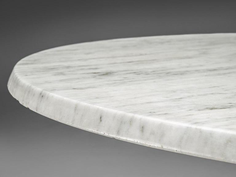 Italian Oval Dining Table in White Marble For Sale 1