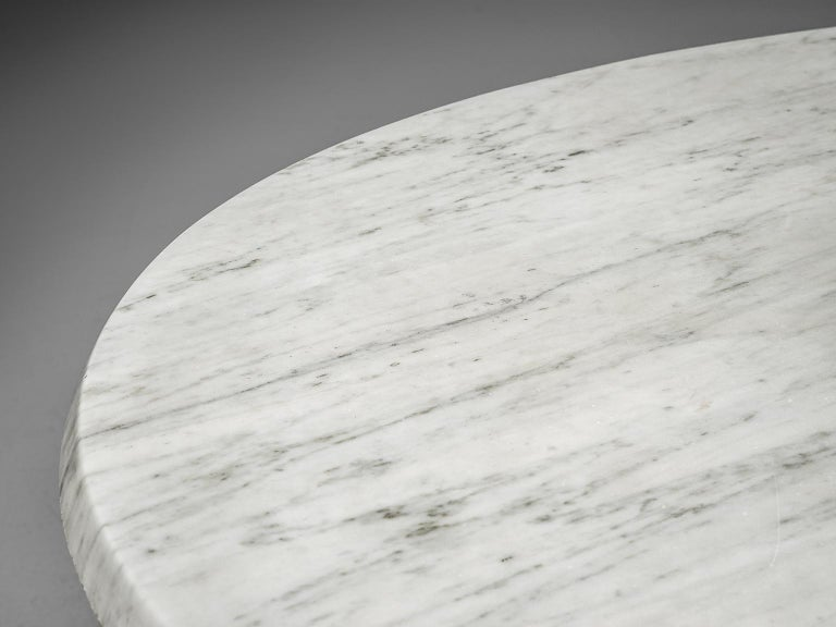 Italian Oval Dining Table in White Marble For Sale 2