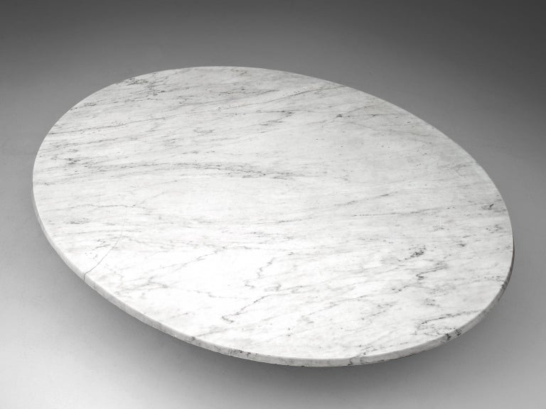 Italian Oval Dining Table in White Marble For Sale 3