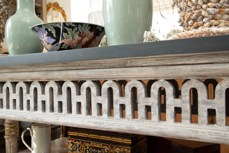 Italian Painted and Parcel Gilt Neoclassical Style Console In Good Condition For Sale In WEST PALM BEACH, FL